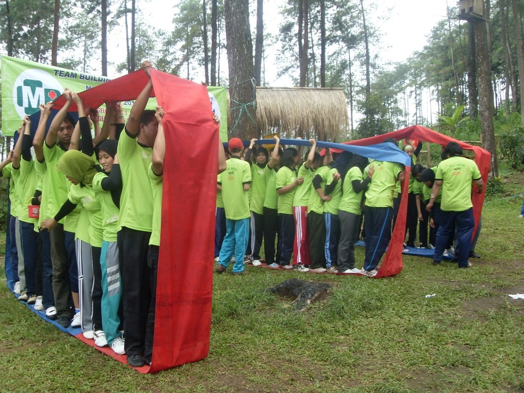 Outbound RS Mujirahayu di Pacet