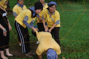 game spider web,spider web icebreaker game,spider web game instructions,spider web innovation game,spider web leadership game,spider web name game,spider web team building game rules,outbound indonesia,outbound adventure indonesia,outbound indonesia.com,outbound di indonesia,outbound terbaik di indonesia,outbound terbesar di indonesia,defender outbound indonesia,lokasi outbound di indonesia,outbound di malang malang indonesia