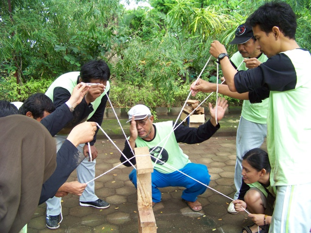 ITS Surabaya, outbound di malang, outbound di pacet, www.outboundindonesia.com, 085855494440