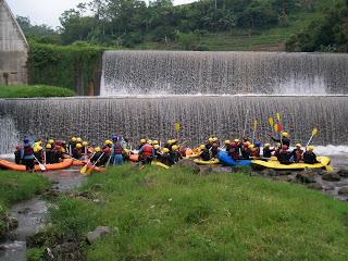 rafting batu malang, http://www.outboundindonesia.com, 081 287 000 995