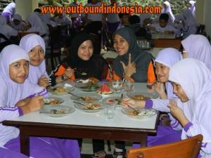 outbound anak-siswa SD, wisuda SDIT Sabilillah Sidoarjo di PCP Trawas, www.outboundindonesia.com, 081334664876