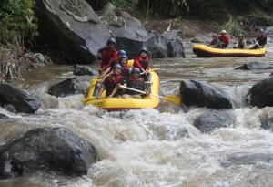 tempat rafting, http://www.outboundindonesia.com, 081 334 664 876