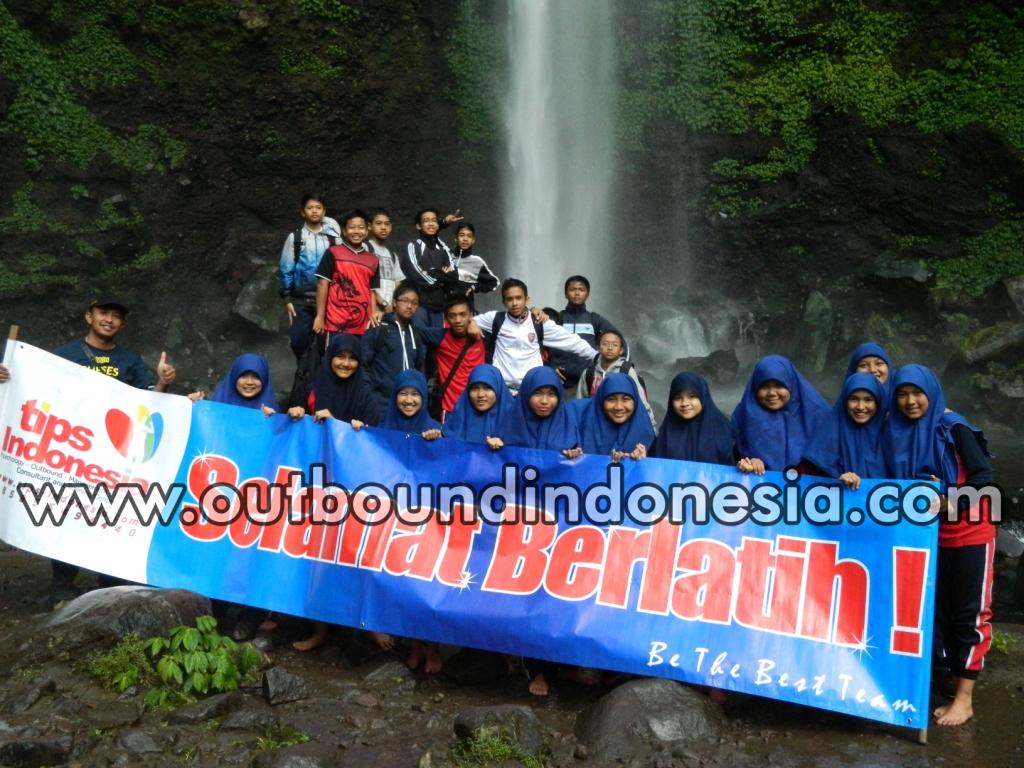 OUTBOUND MTSN 1 MALANG DI COBAN RONDO BATU MALANG, www.outboundindonesia.com, 085 755 059 965