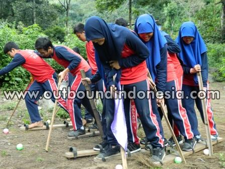 Outbound MTsN 1 Malang, www.outboundindonesia.com, 085 755 059 965