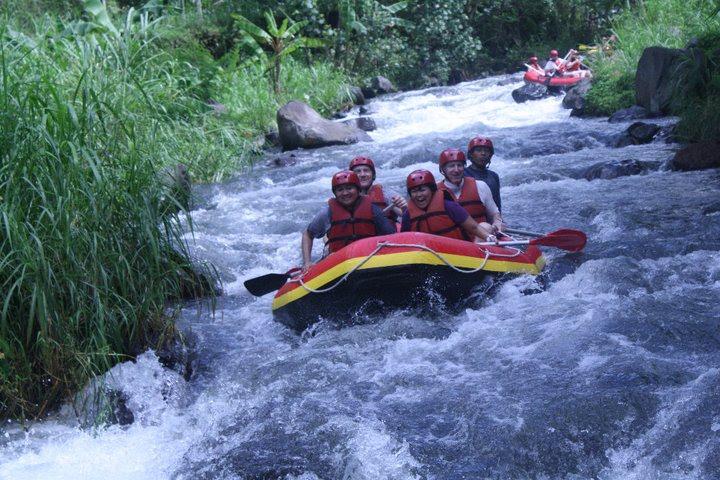 Rafting Di Kaliwatu, www.outboundindonesia.com, 085755059965