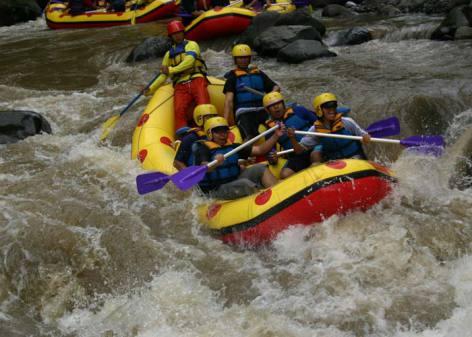 Kaliwatu-Rafting-Malang, www.outboundindonesia.com, 085755059965