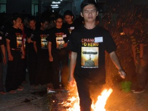 Games Fire Walking, www.outboundindonesia.com, 085755059965