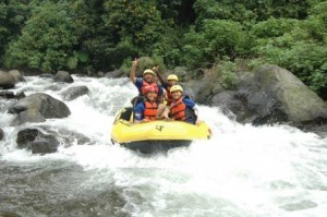 Wisata Pacet Rafting, www.outboundindonesia.com, 085755059965