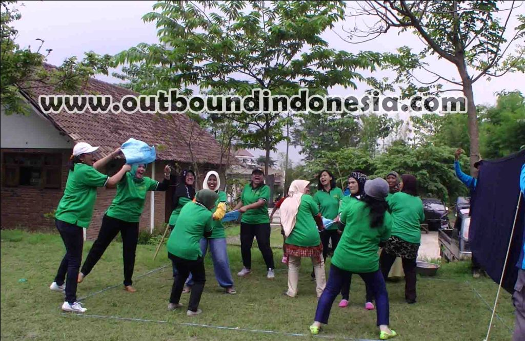 outbound kaliwatu malang, www.outboundindonesia.com, 085755059965