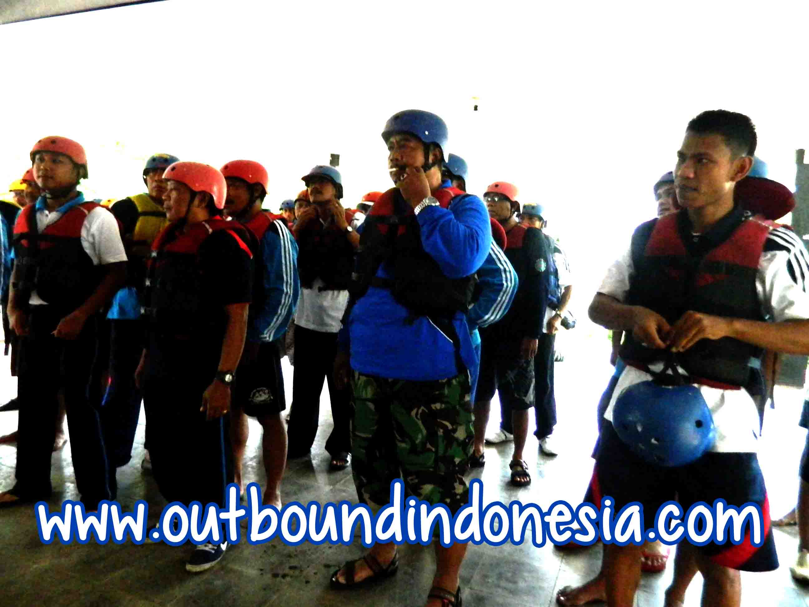 kampung rafting, www.outboundindonesia.com, 087 836 152 078